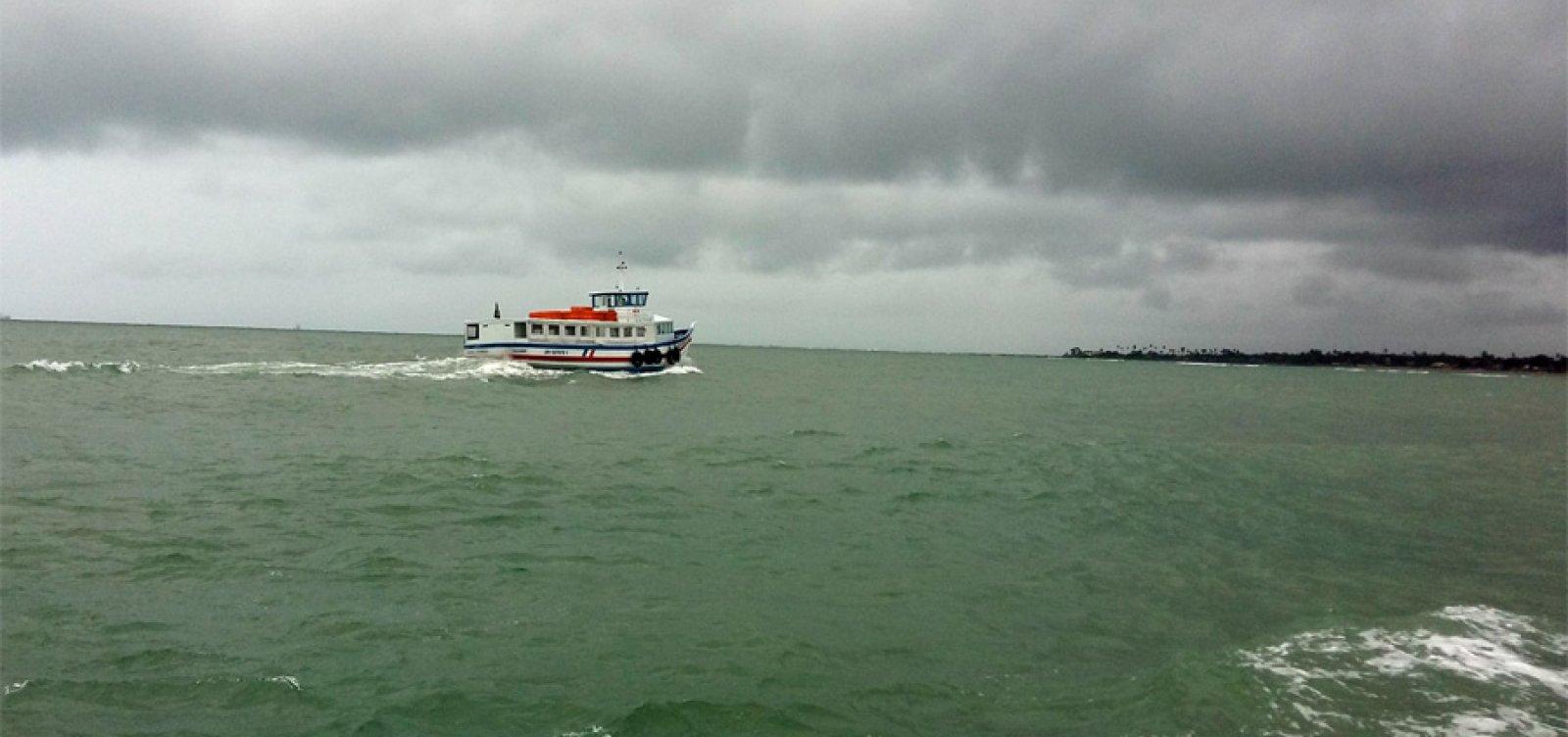 [Frente fria pode causar ventos de até 40 km/h e ondas de três metros na Baía de Todos-os-Santos]