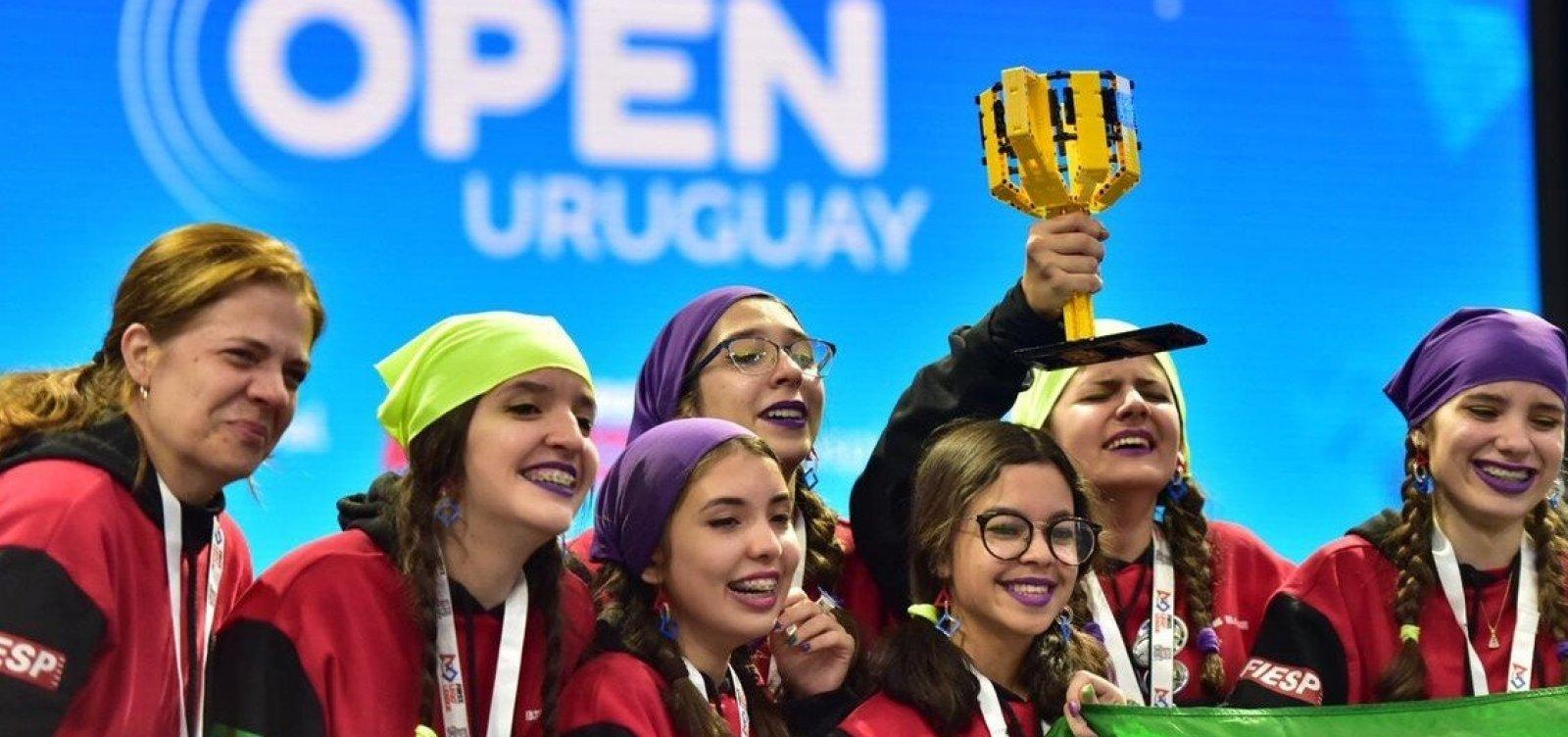 [Brasileiros vencem torneio de robótica no Uruguai]