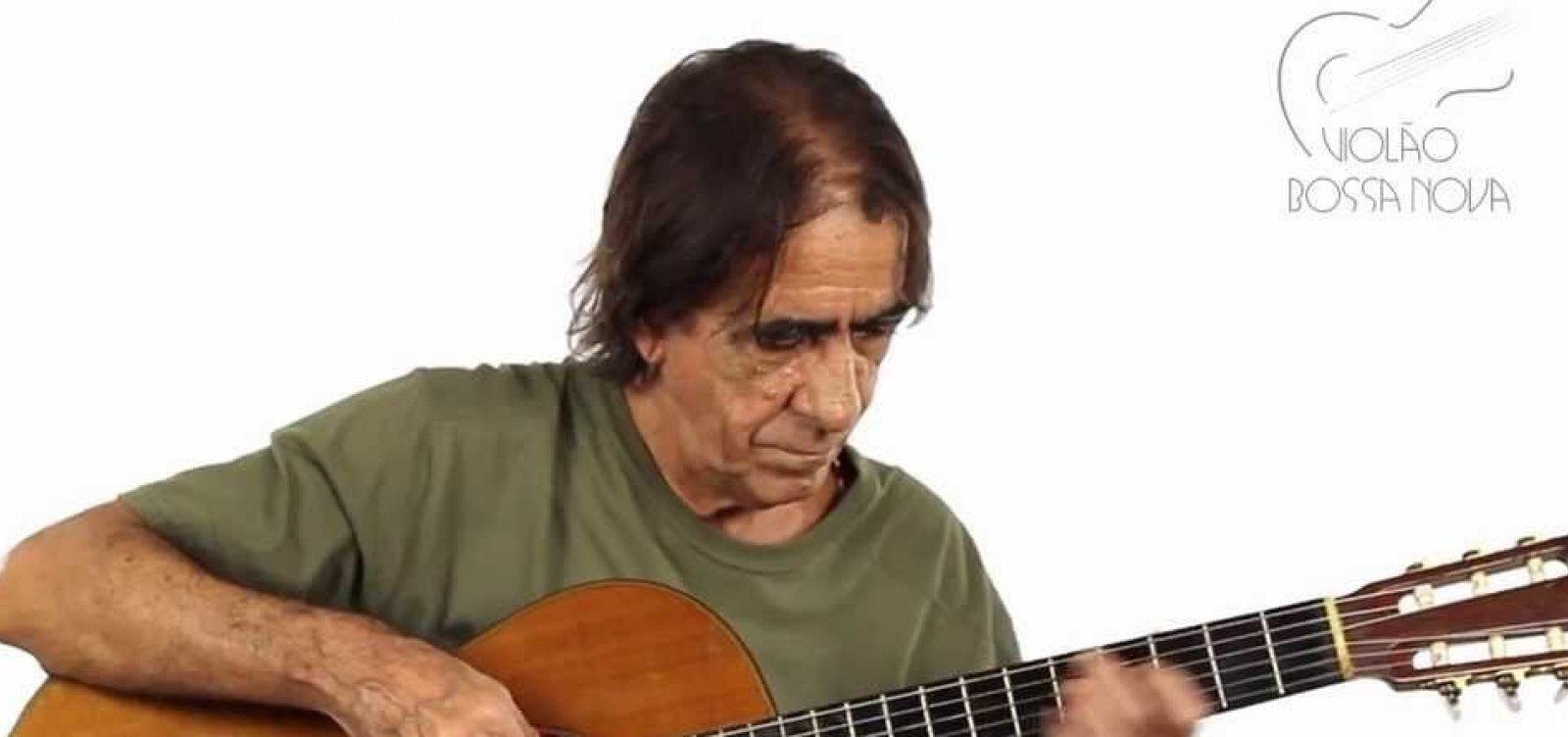 [Aderbal Duarte celebra 88 anos de João Gilberto com 'Segredos do Violão Bossa Nova']