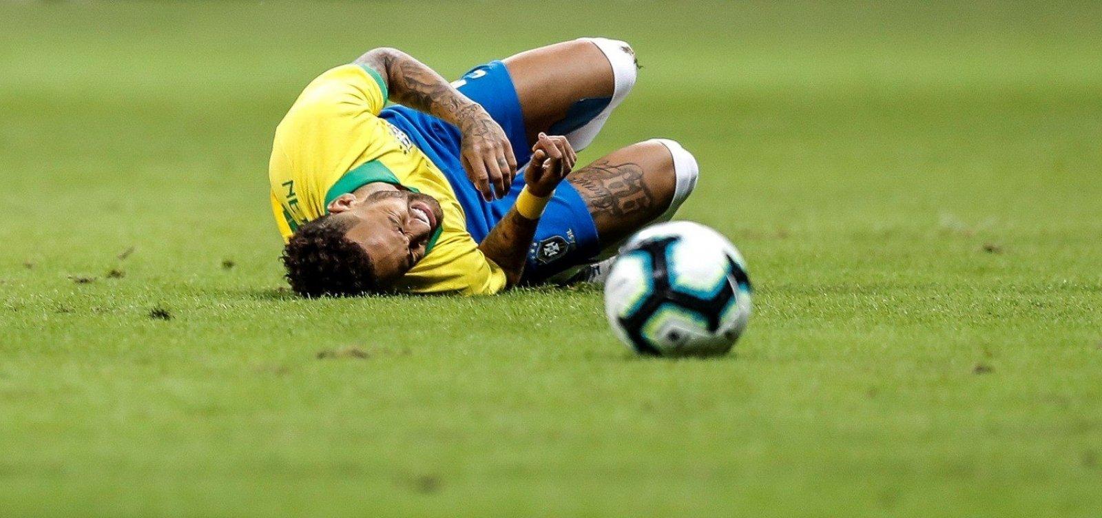 [Neymar é cortado da seleção brasileira após lesão]
