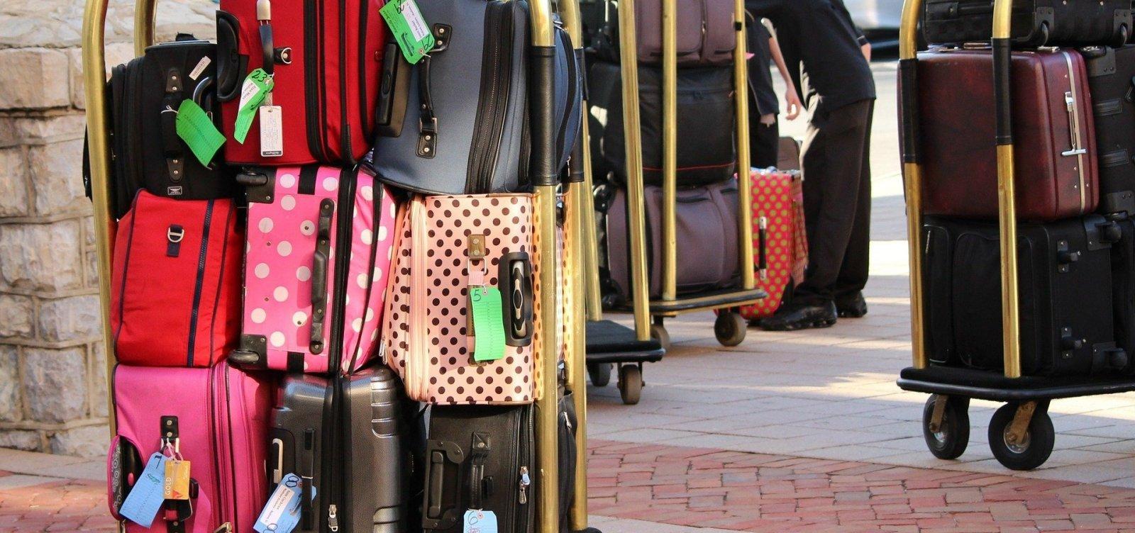 [Gol e Azul afirmam que proibir cobrança pela bagagem vai aumentar preço da passagem aérea]