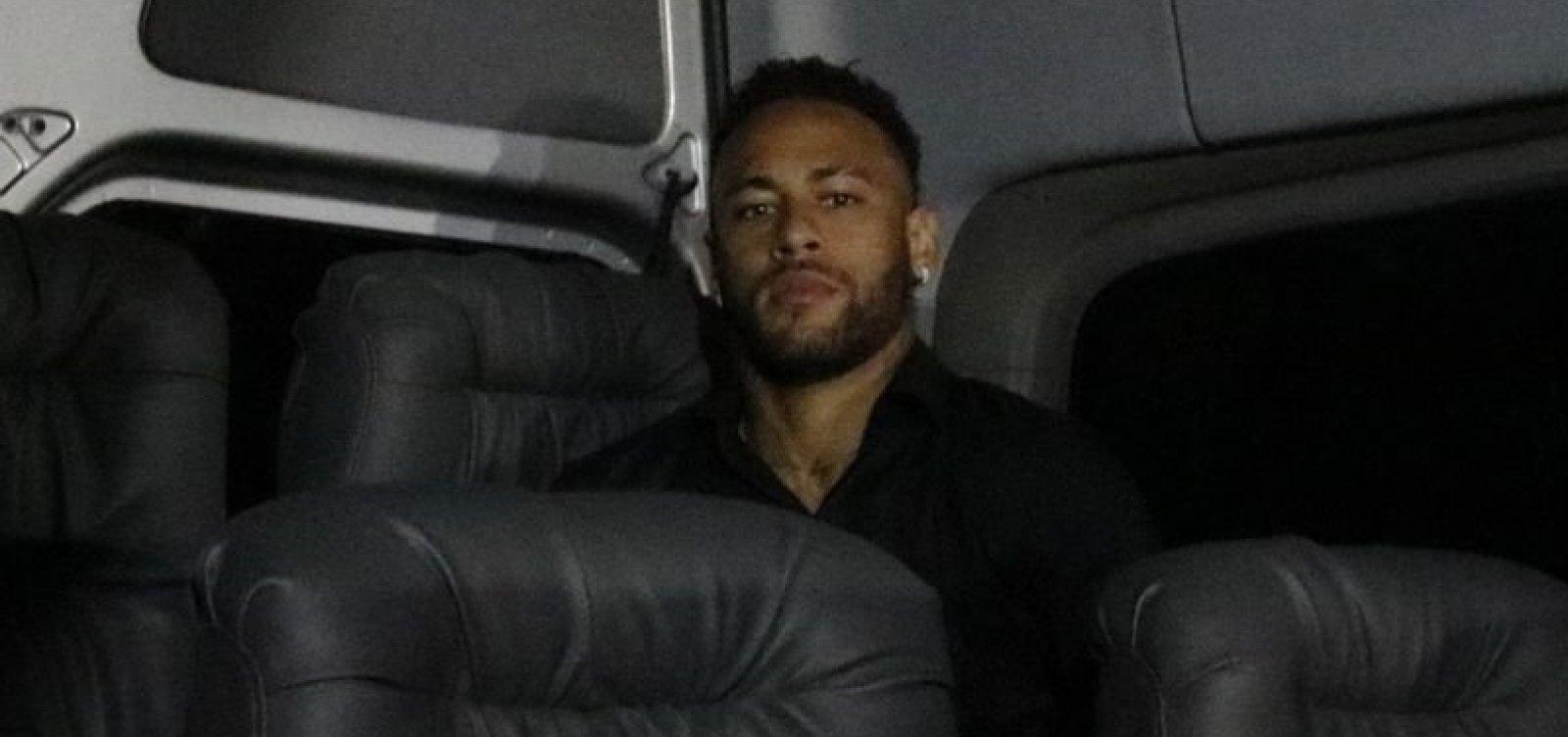 [Vaza nova troca de mensagens entre Neymar a Najila: 'Uma GP é tratada com mais empatia']