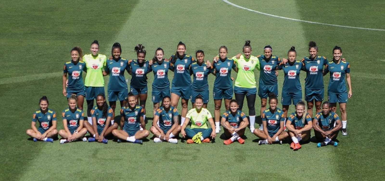 [Copa feminina mobiliza mulheres e traz engajamento além da tela em Salvador]