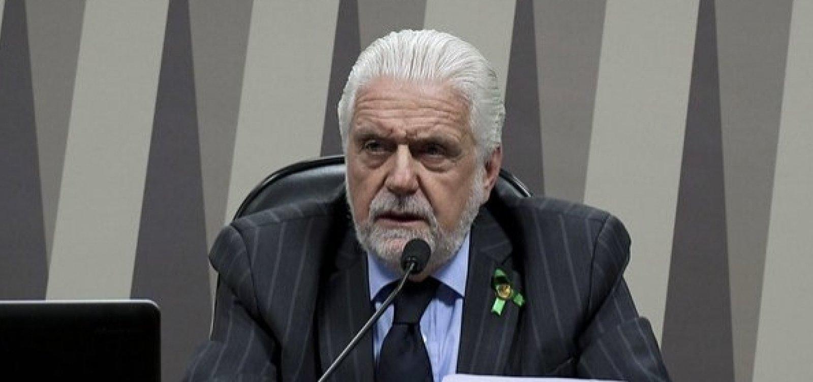 [Wagner pede que Cade apure aumento de tarifas aéreas na Bahia]