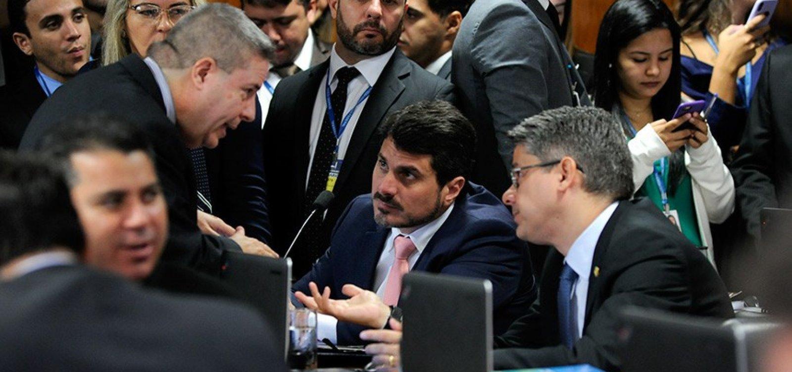 [Comissão no Senado decide na quarta se derruba ou mantém decreto de armas de Bolsonaro]