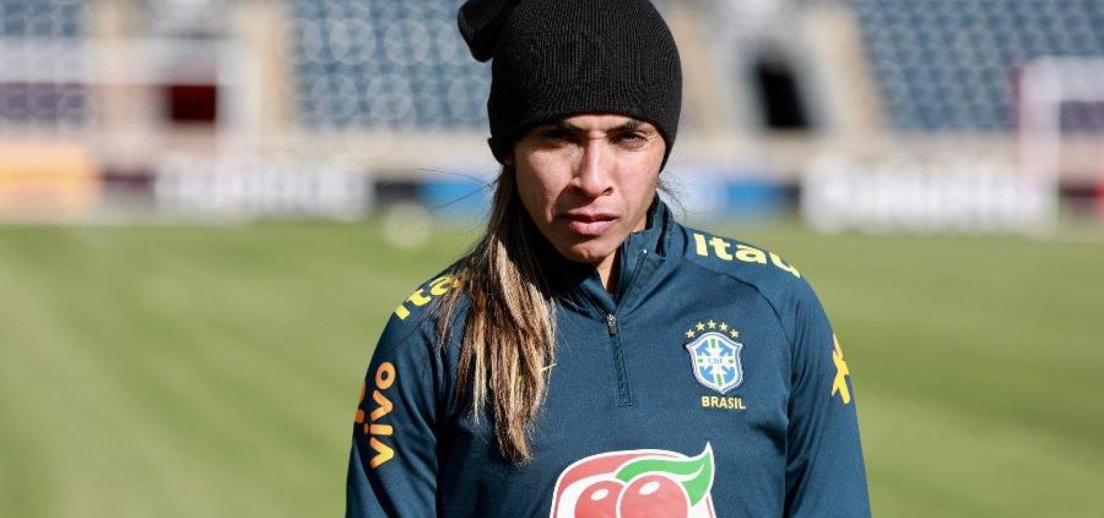 [Vadão confirma ausência de Marta na estreia da Copa do Mundo]