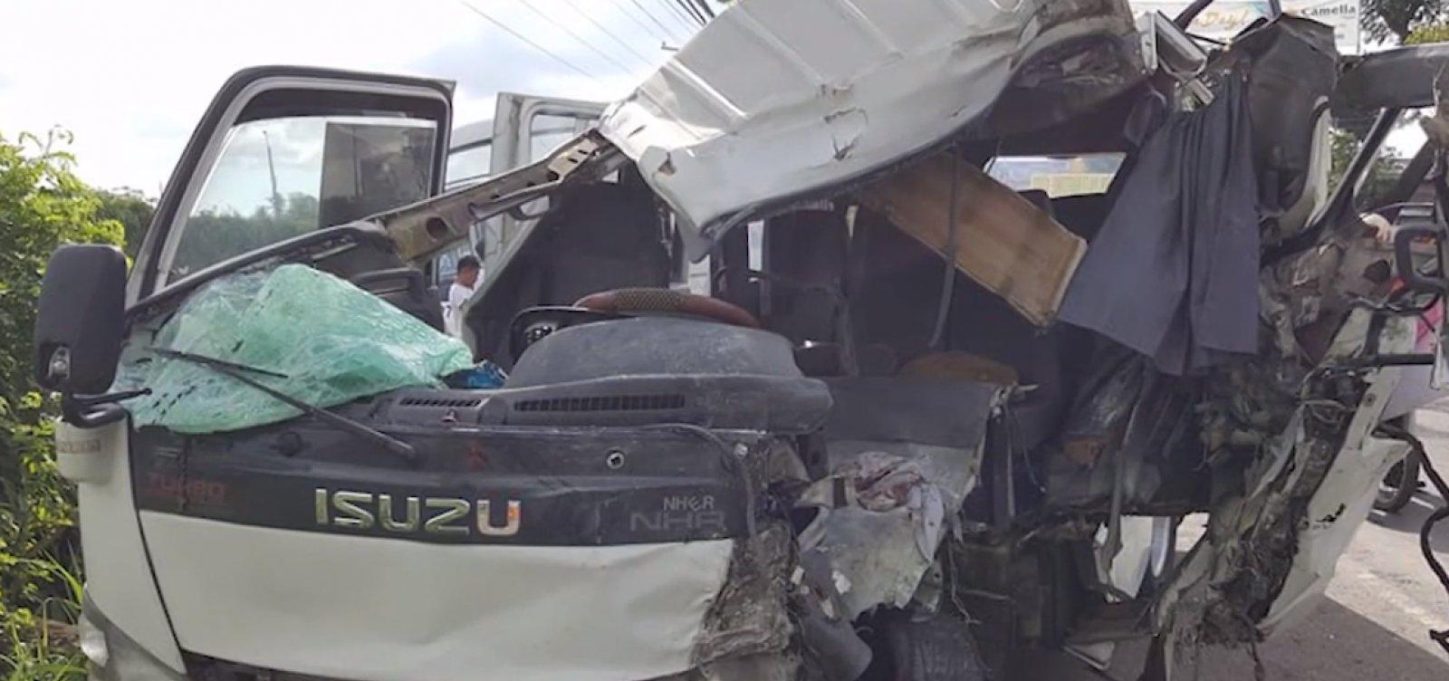 [Acidente de ônibus deixa pelo menos oito mortos e 25 feridos nas Filipinas]