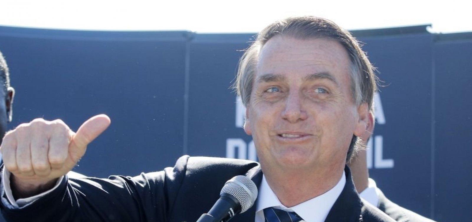 [Bolsonaro diz esperar lista tríplice para decidir sucessão de Dodge na PGR]
