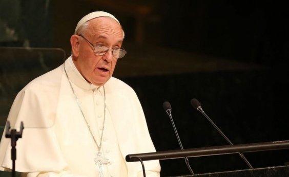 [Vaticano publica documento rejeitando definições flexíveis de gênero]