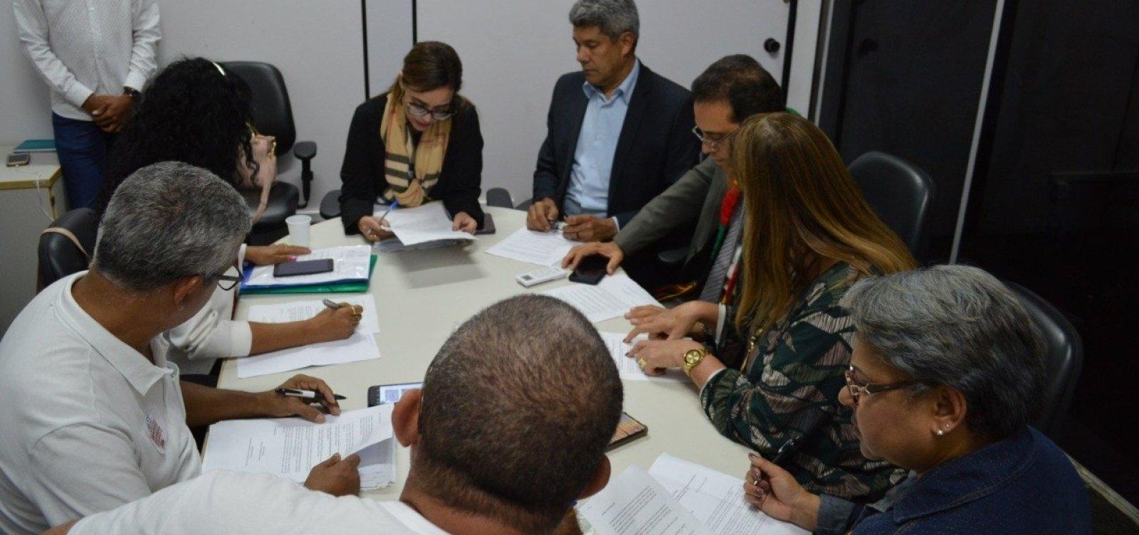 [Governo afirma que assinou compromisso com professores para fim da greve]