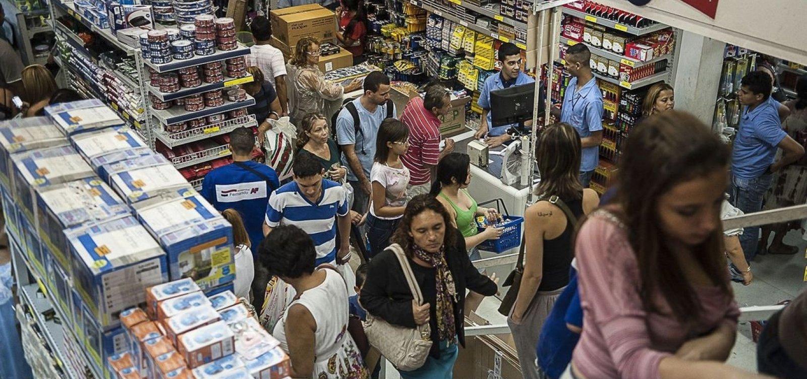 [Comércio varejista recua 0,6% de março para abril, diz IBGE]