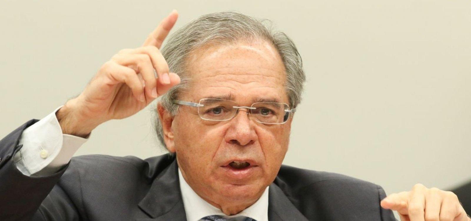 ['Estamos despedalando', diz Guedes sobre restituição de R$ 3 bilhões da Caixa]