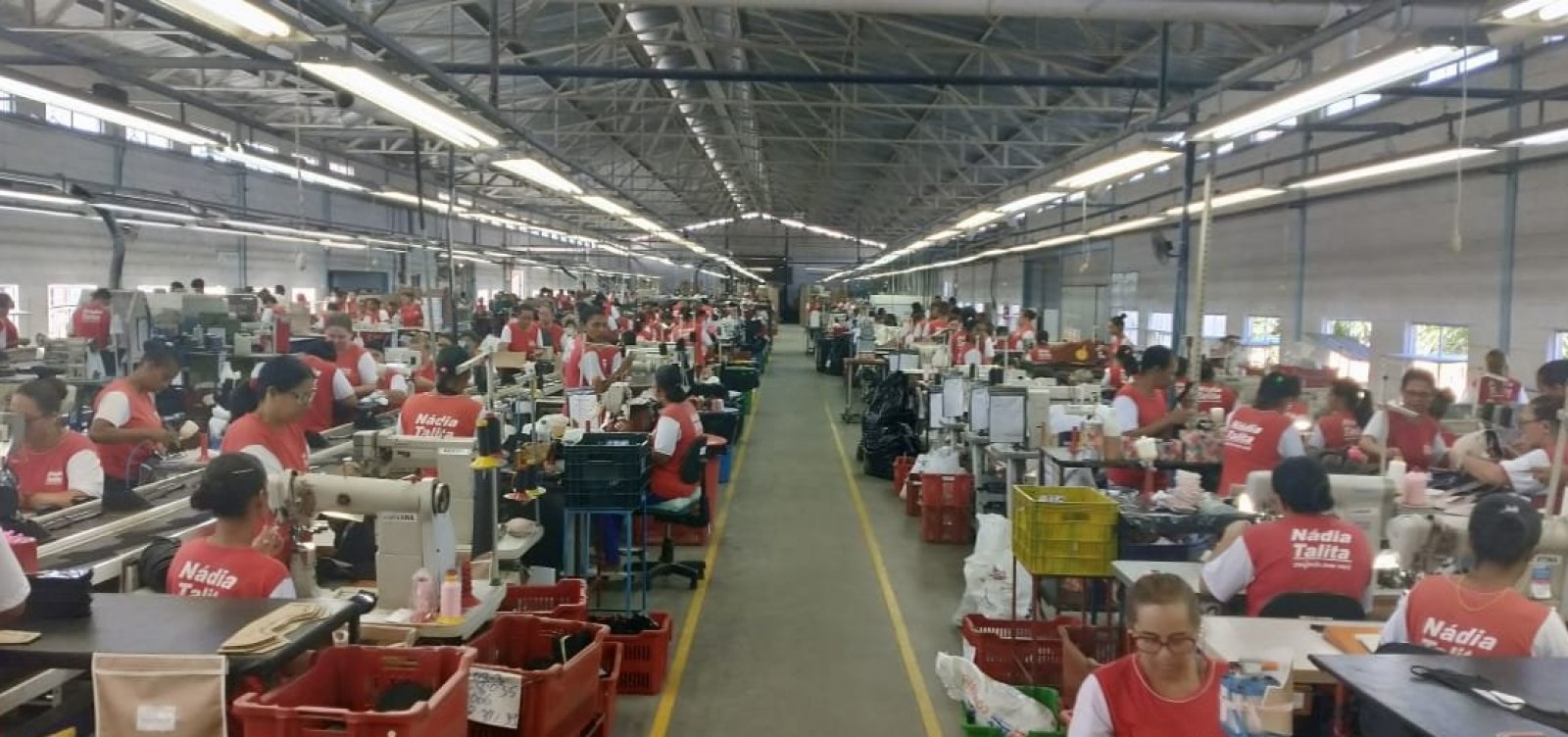 [Serrinha: Fábrica de calçados gera 228 novos empregos]