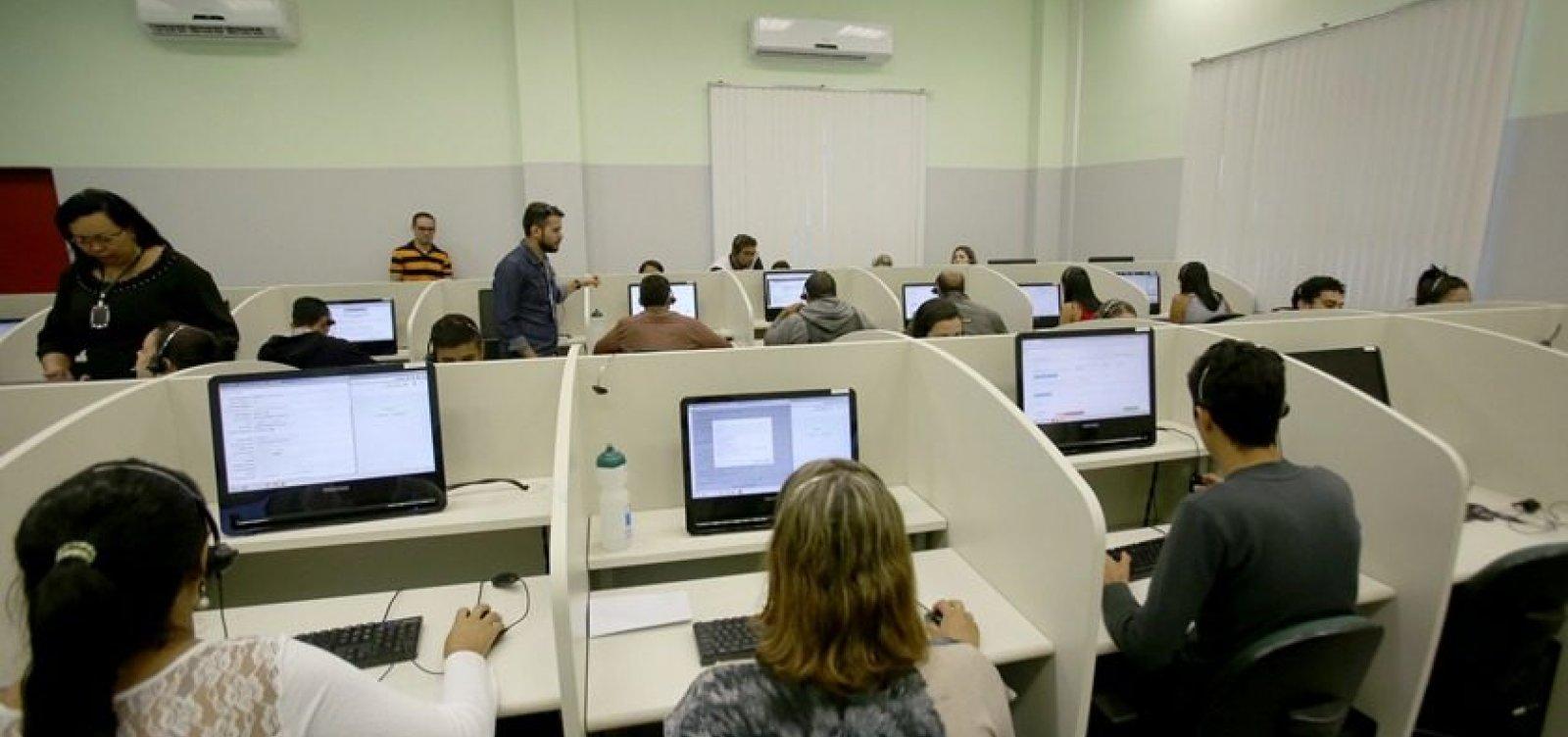 [ Setor de serviços cresce 0,5% de março a abril, diz IBGE-BA]