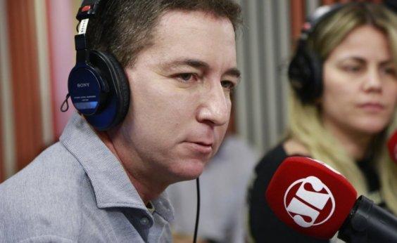 [Glenn Greenwald afirma que a Globo quer esconder vazamentos da Lava Jato]
