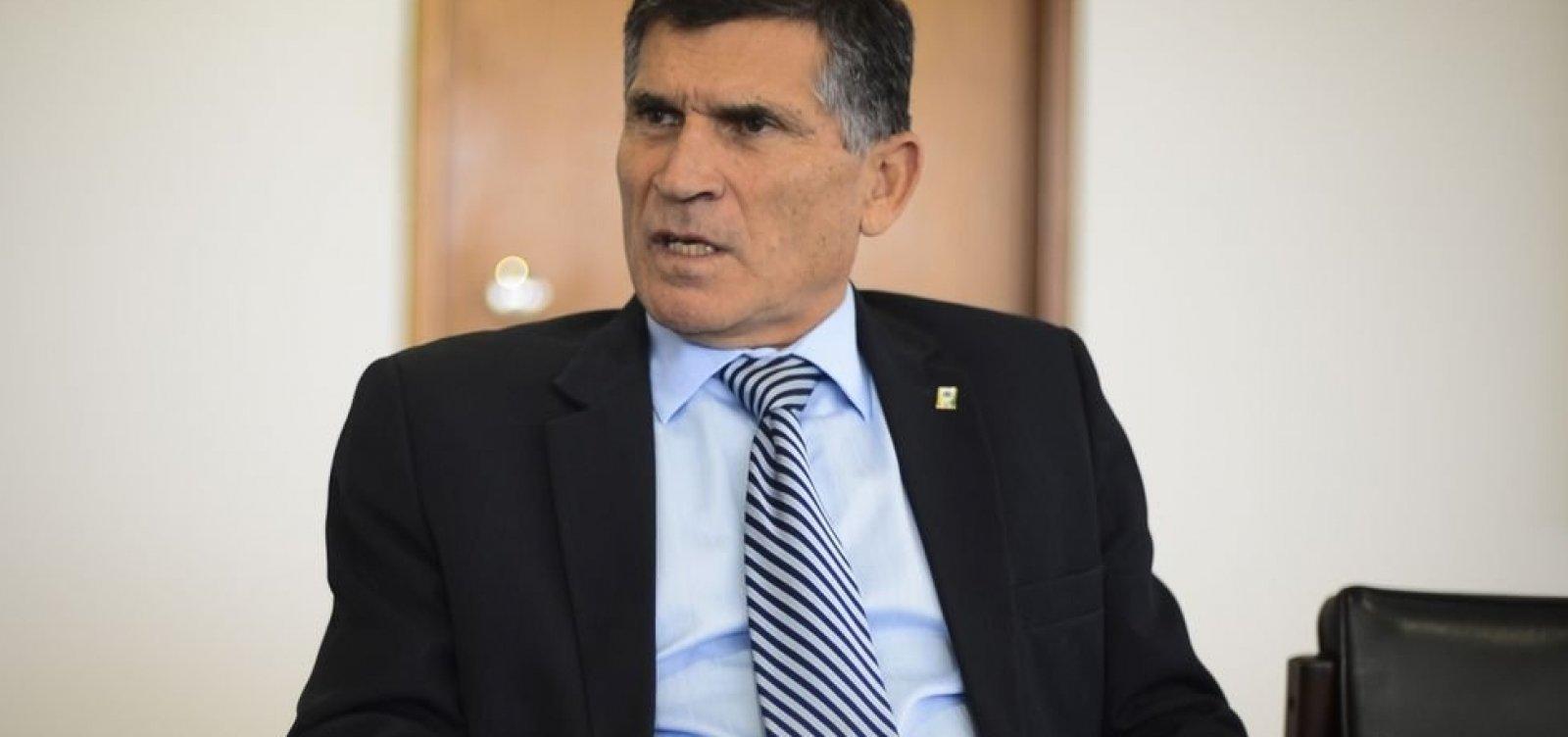 [General Santos Cruz deixará ministério do governo Bolsonaro]