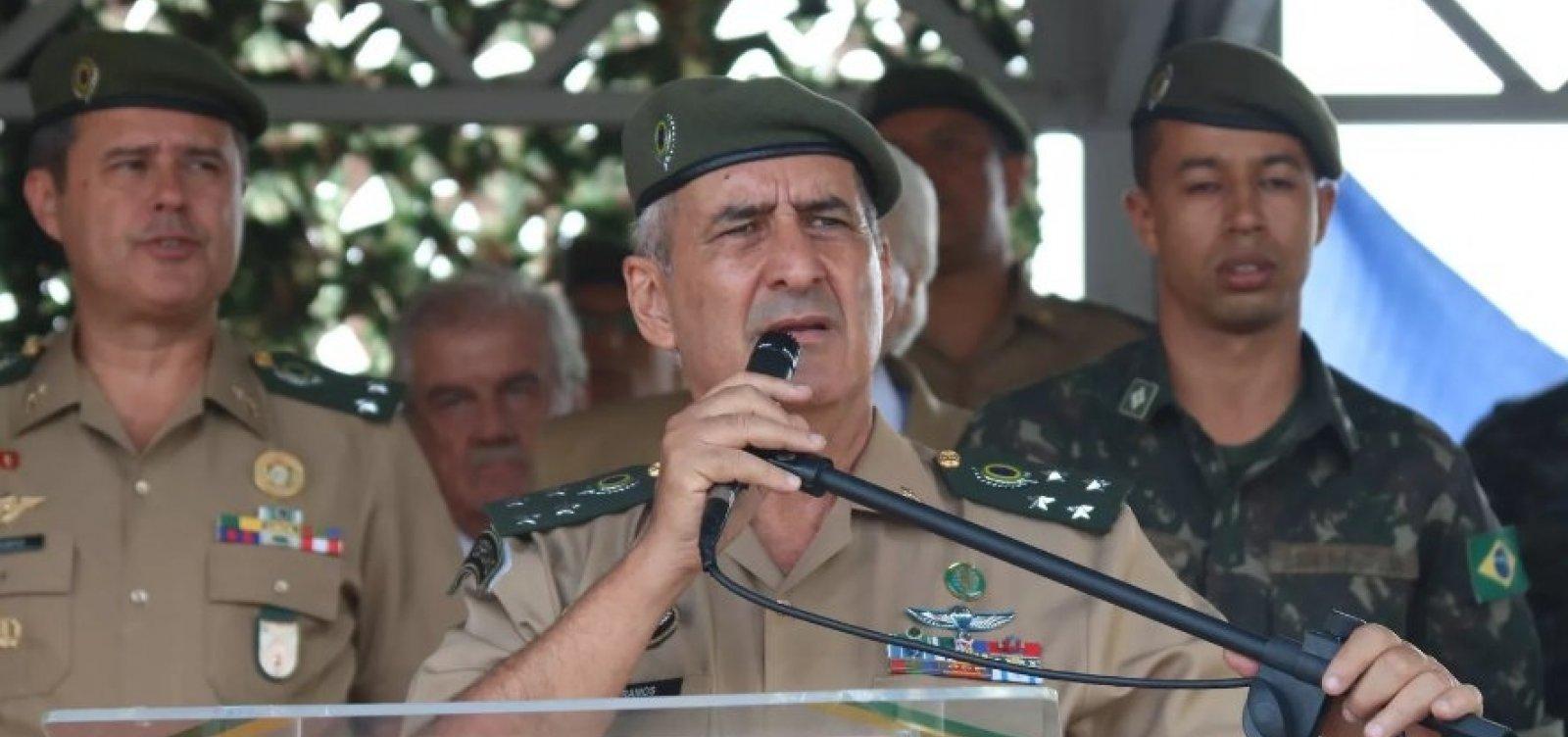 [Ministro Santos Cruz é demitido; substituto é general Luiz Eduardo Ramos]