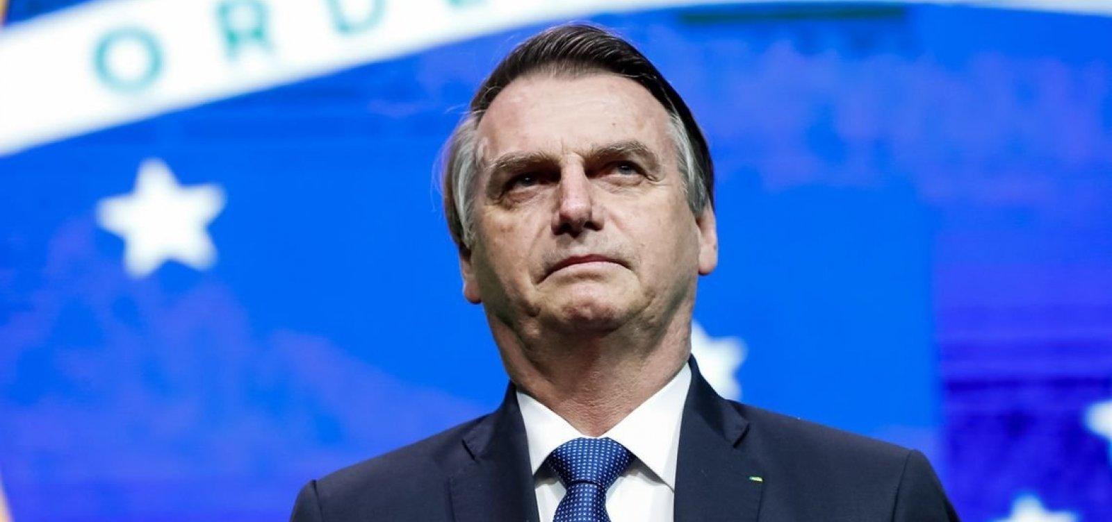 ['Completamente equivocada', diz Bolsonaro sobre decisão de criminalizar homofobia]