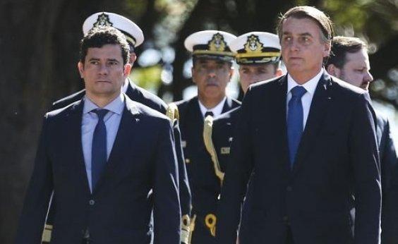 [Bolsonaro defende Moro, mas afirma que não existe confiança 100%]