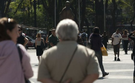 [Ao menos 18 idosos são vítimas de maus-tratos por mês, em Salvador]