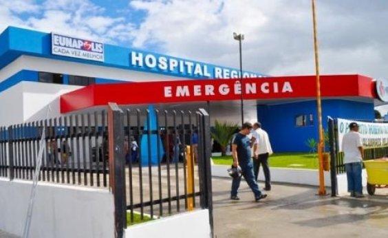 [Ex-diretora de hospital é acionada após 'furar fila' do SUS para fazer lipoaspiração ]