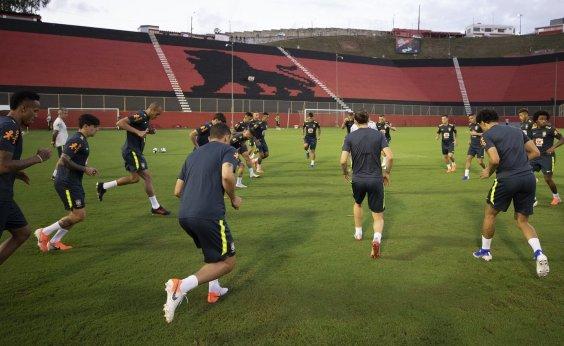 [Seleção brasileira treina no Barradão antes de confronto com a Venezuela]