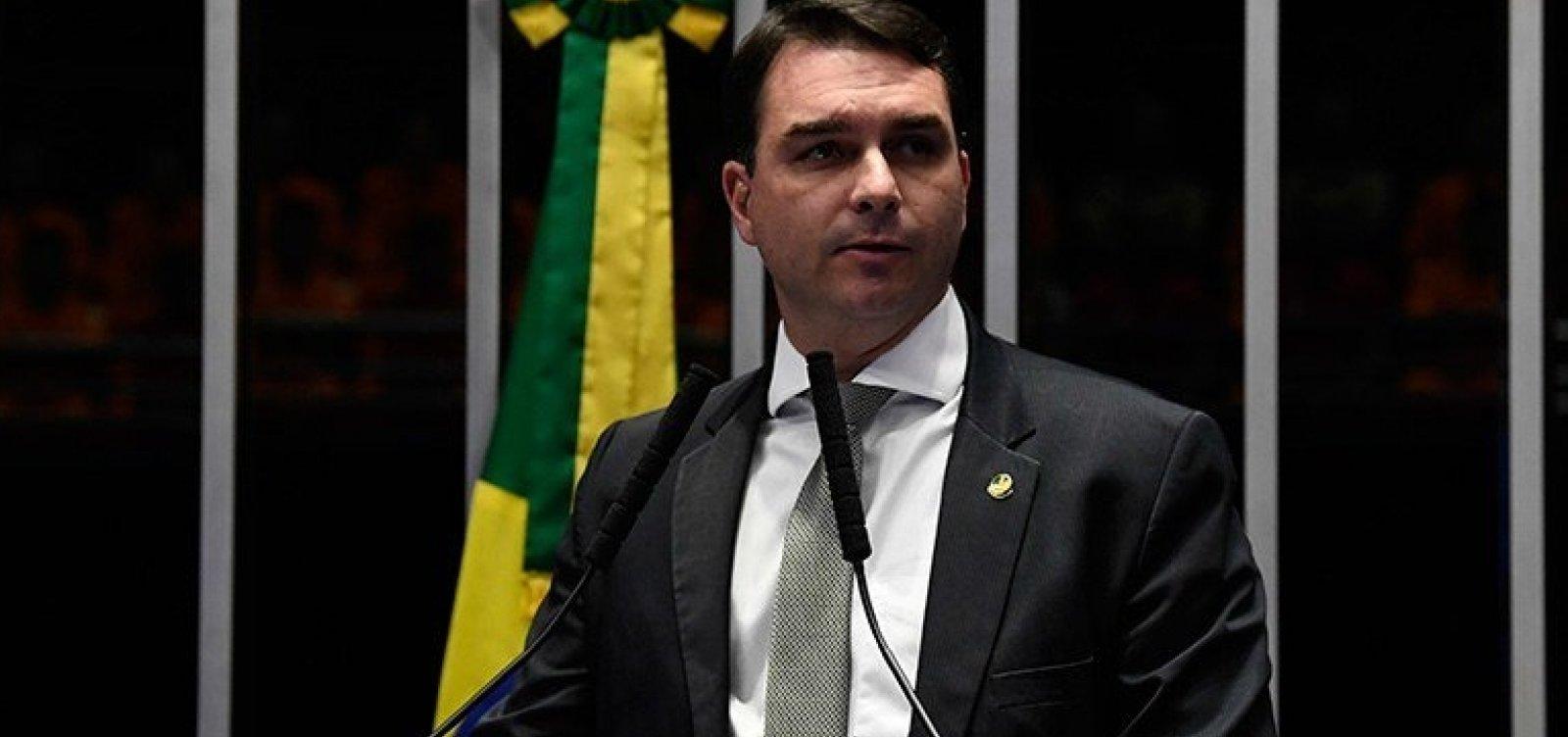[Filho de Bolsonaro defende diálogo com oposição no Senado e elogia Jaques Wagner]