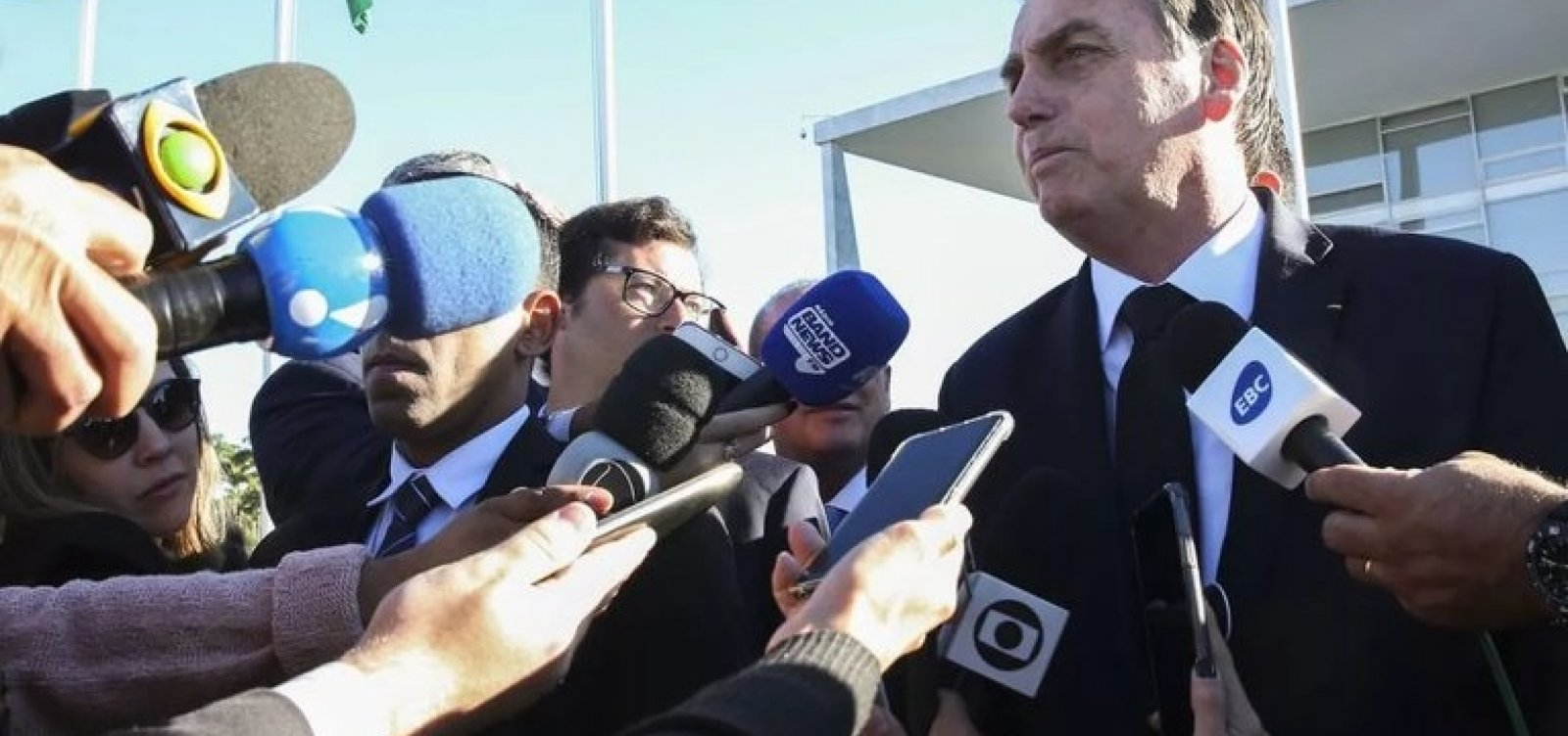 ['Se quer levar mais de 10 quilos, pague, pô', diz Bolsonaro após veto a bagagem gratuita]