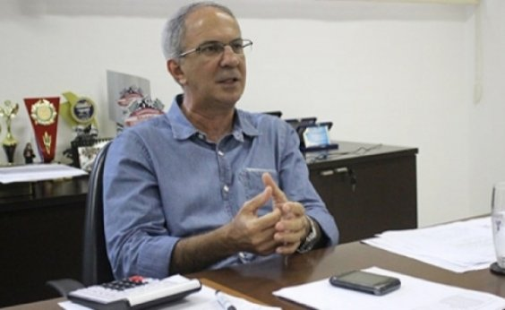 [Eleições 2020: prefeito de Mata de São João não enxerga empecilho para retorno de Gualberto ]