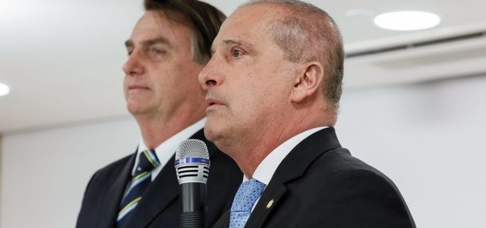 [Bolsonaro nega saída de Onyx Lorenzoni do governo]