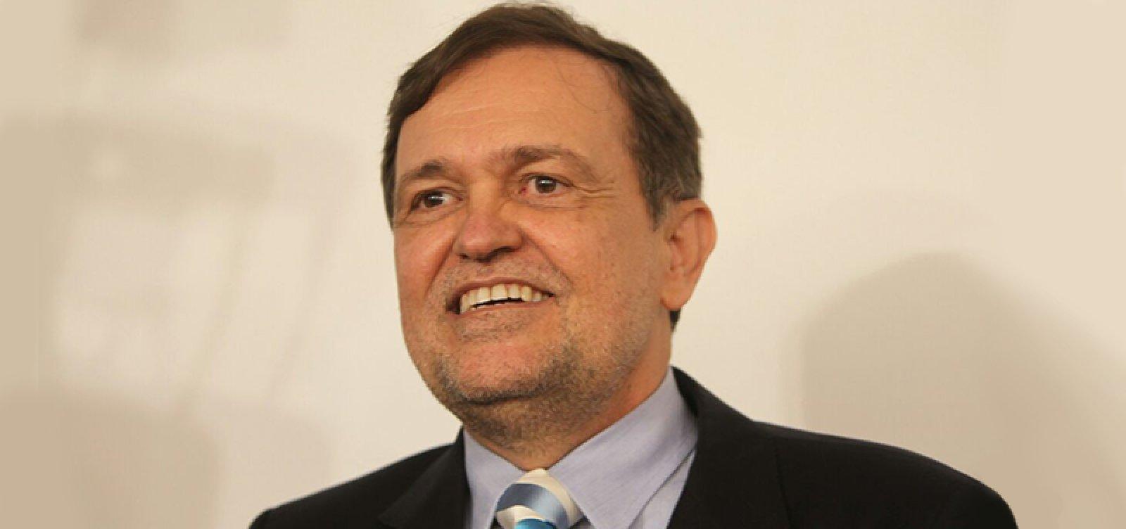 [Walter Pinheiro se aposenta no Senado com salário de R$ 25 mil ]