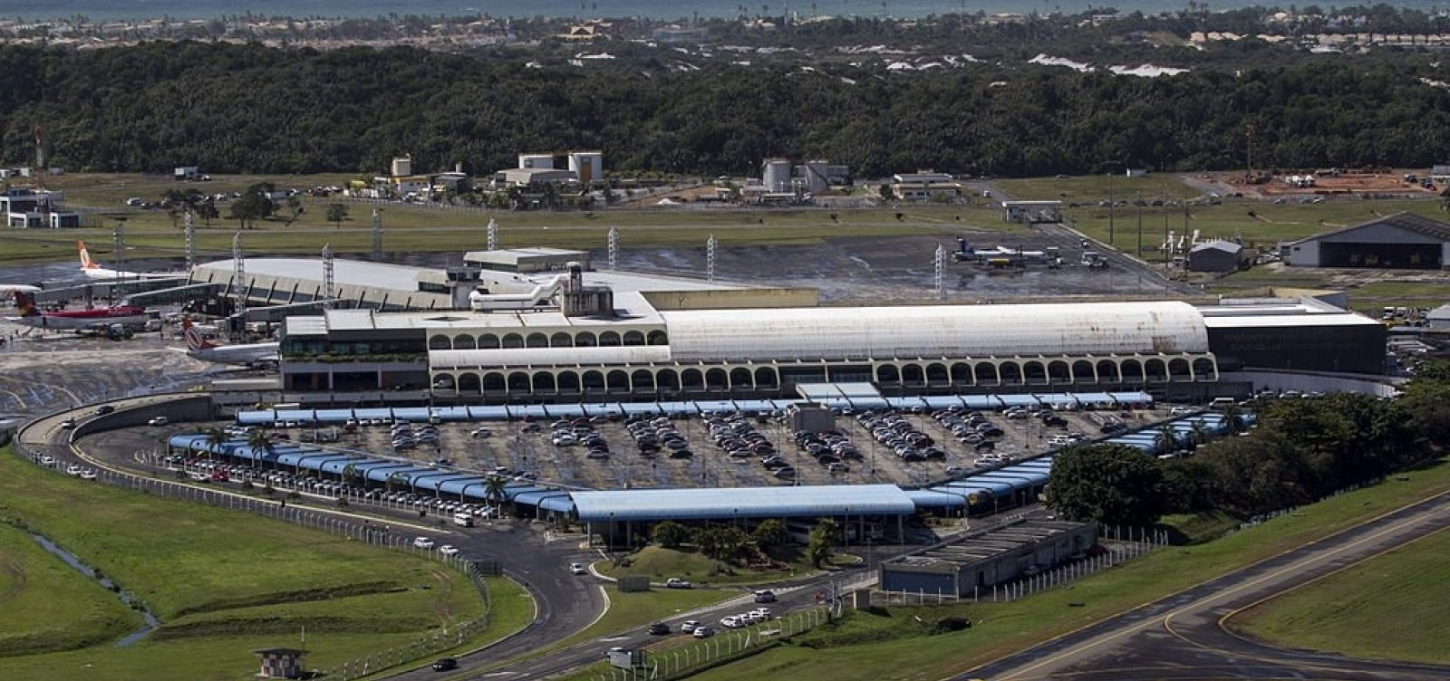 [Pista principal do Aeroporto de Salvador volta a funcionar]