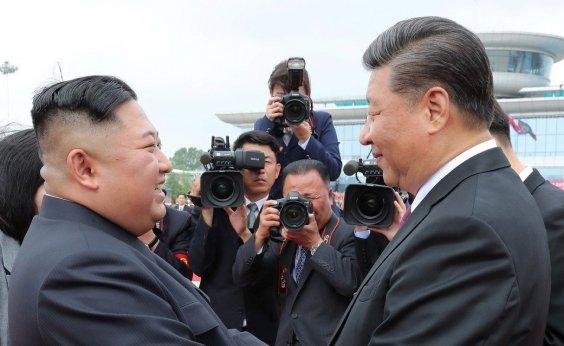 [Líderes da Coreia do Norte e China concordam em avançar relações amistosas]