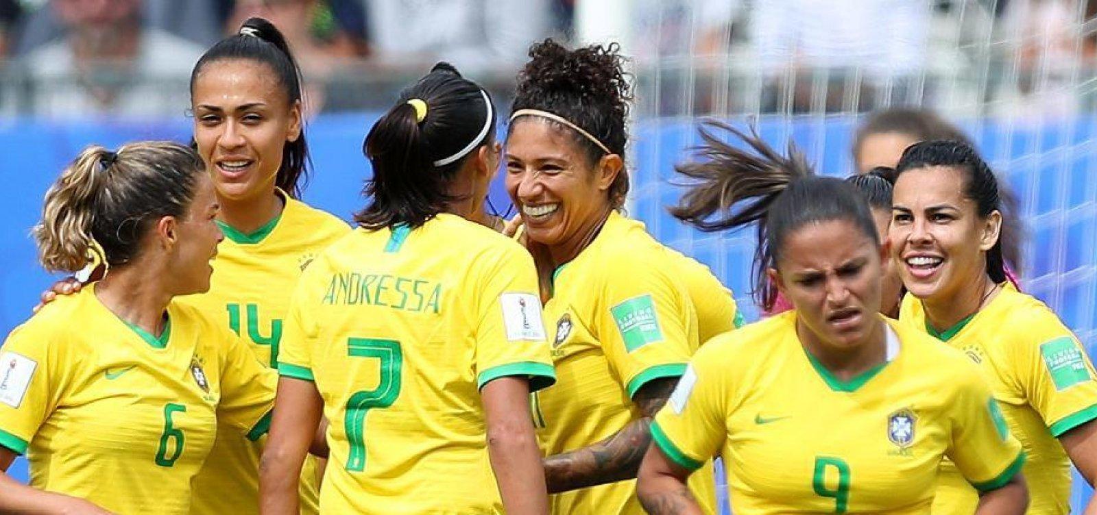 [Seleção feminina joga contra a França às 16h]
