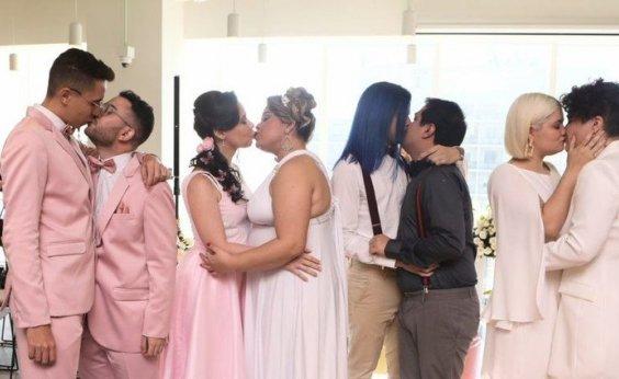 [Cartório improvisado na Paulista faz casamento coletivo antes da Parada LGBT]