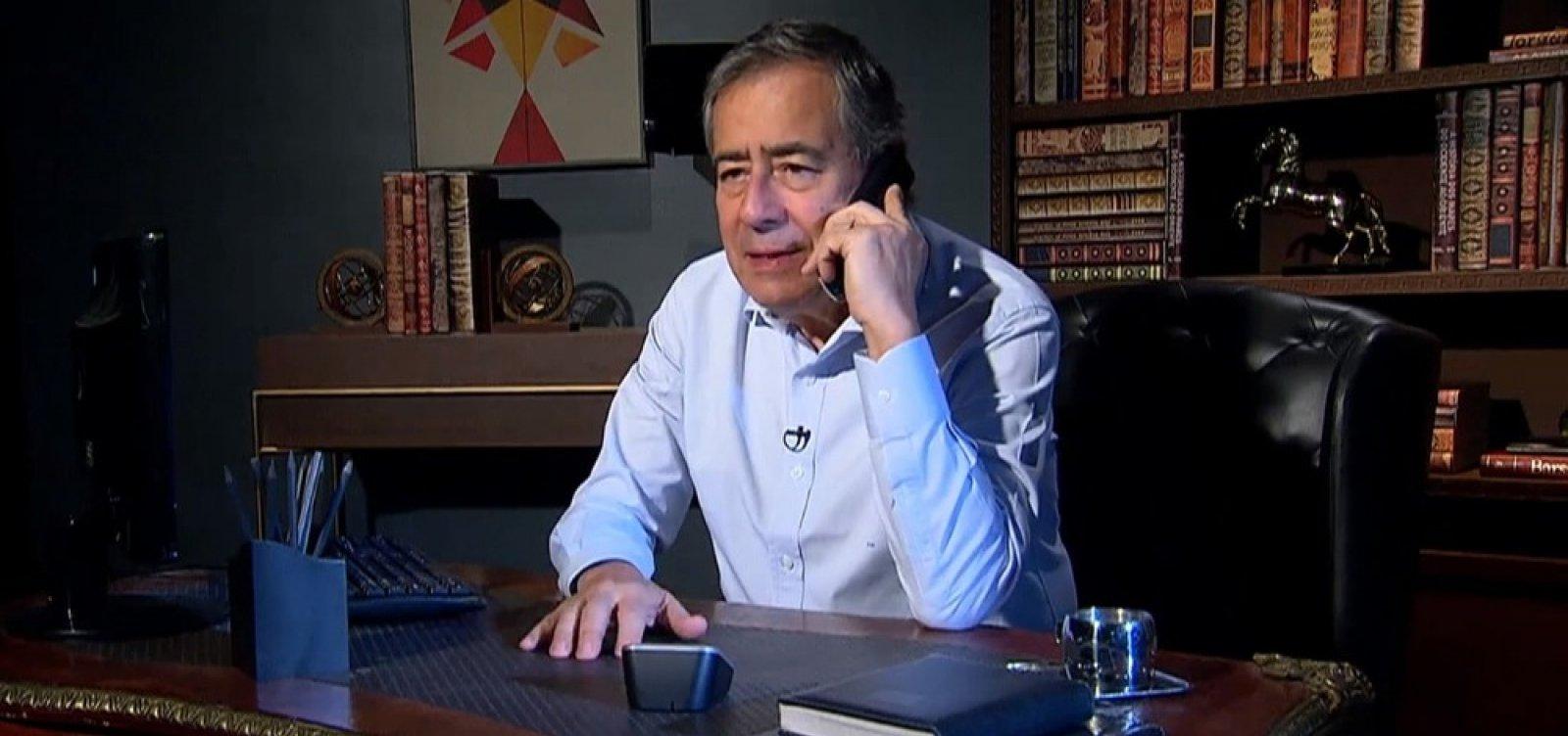 [Após resistir à pressão política, Record afasta Paulo Henrique Amorim da TV]