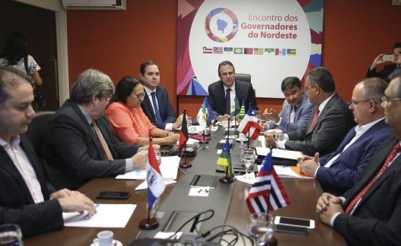 [Governadores do NE se reúnem com Maia para tentar incluir estados na reforma ]