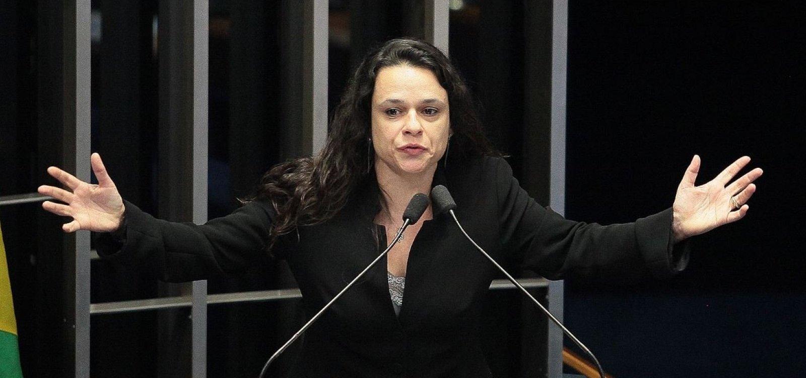 [Aliada de Bolsonaro, Janaina defende afastamento de ministro do Turismo]
