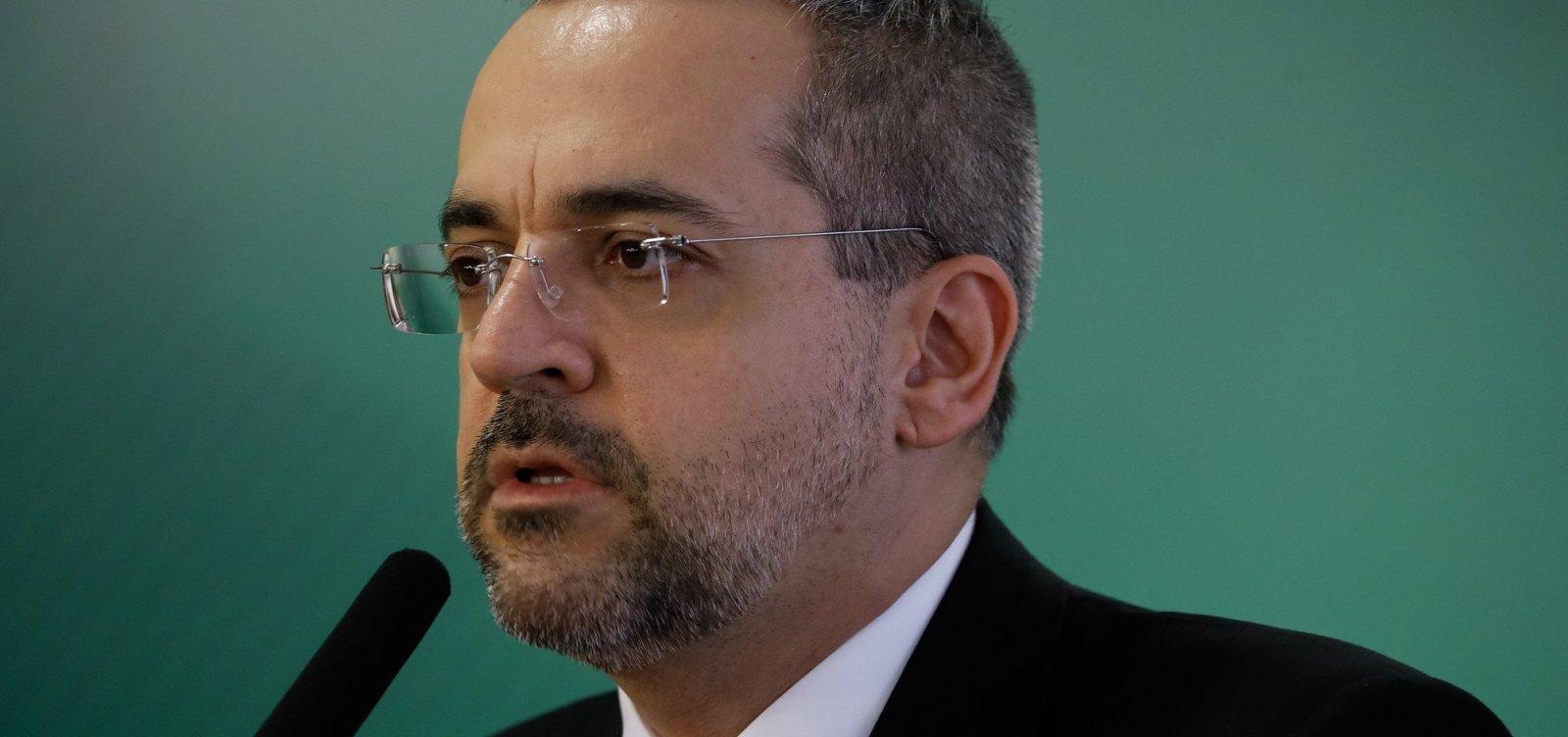 [Ministro diz que avião já transportou droga em maior quantidade: 'Alguém sabe o peso do Lula ou Dilma?']