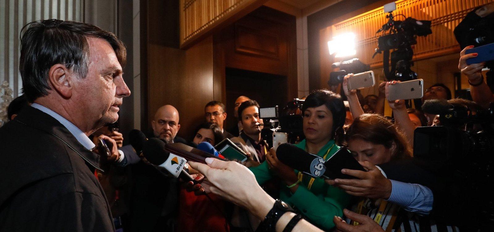 [Irritado, Bolsonaro abandona entrevista no Japão; veja vídeo]