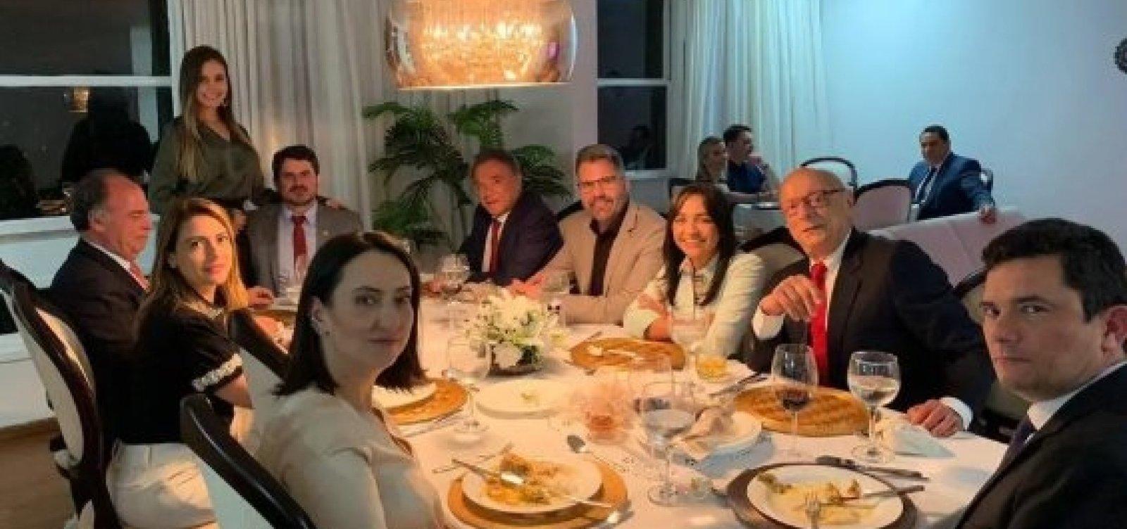 [Moro janta com senadores após aprovação de medidas contra abuso de autoridade]