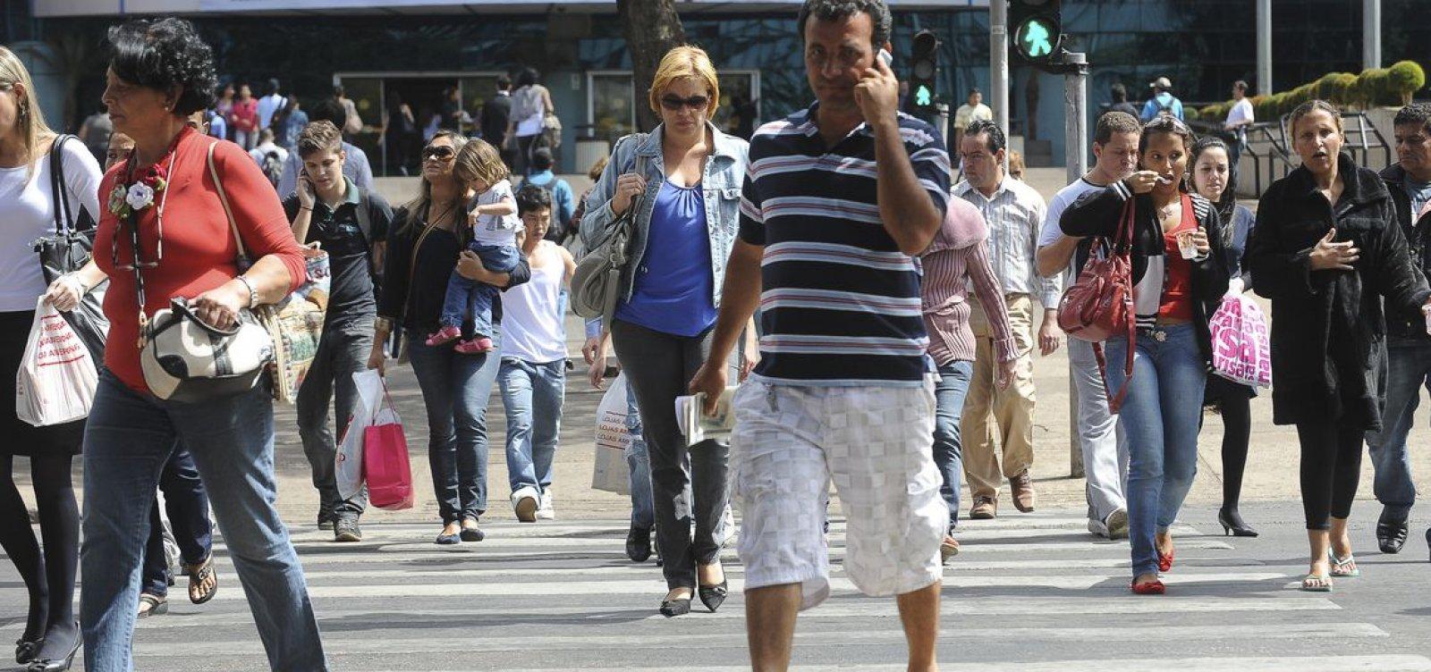 [Desemprego cai de 12,4% para 12,3% no trimestre encerrado em maio]