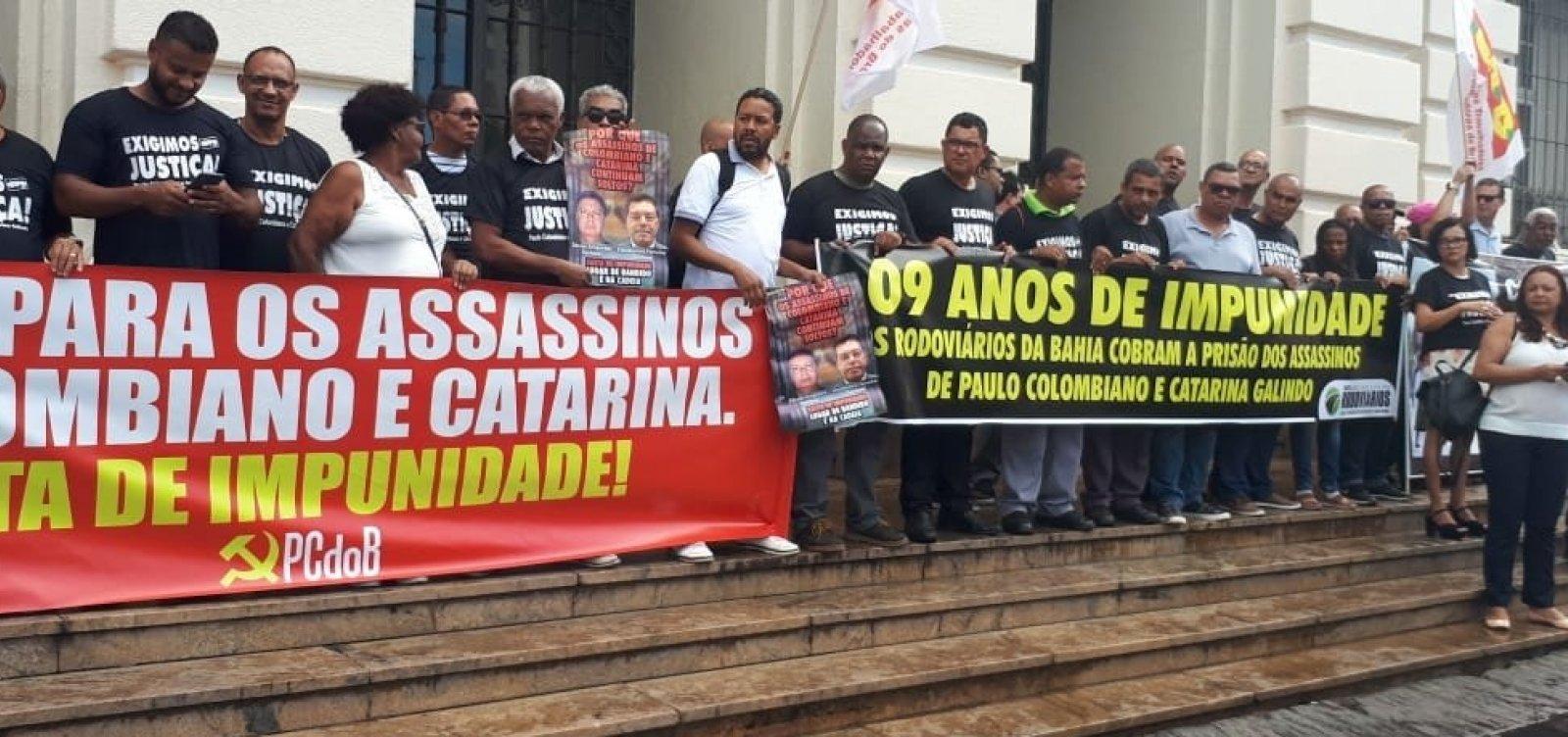 [Protesto repudia negligência da Justiça em julgamento de Colombiano e Catarina]