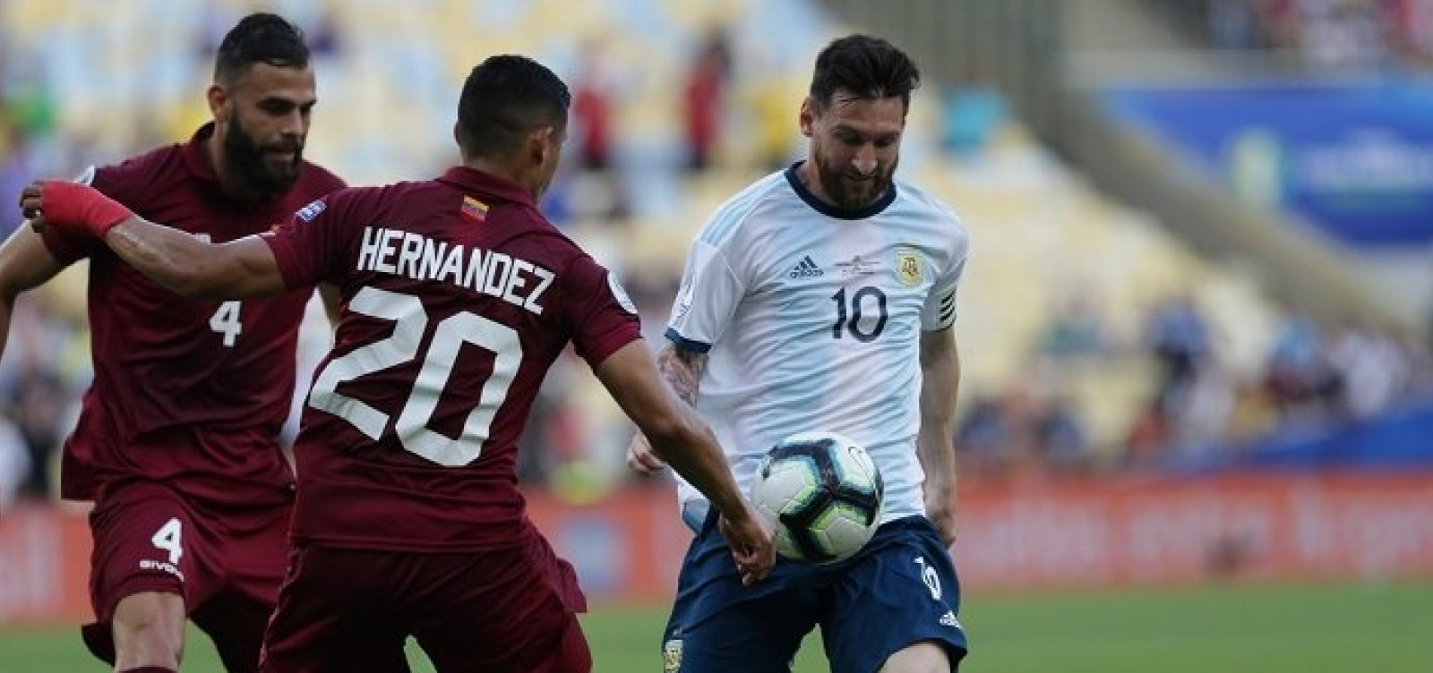 [Argentina bate a Venezuela e enfrenta o Brasil na semifinal da Copa América]