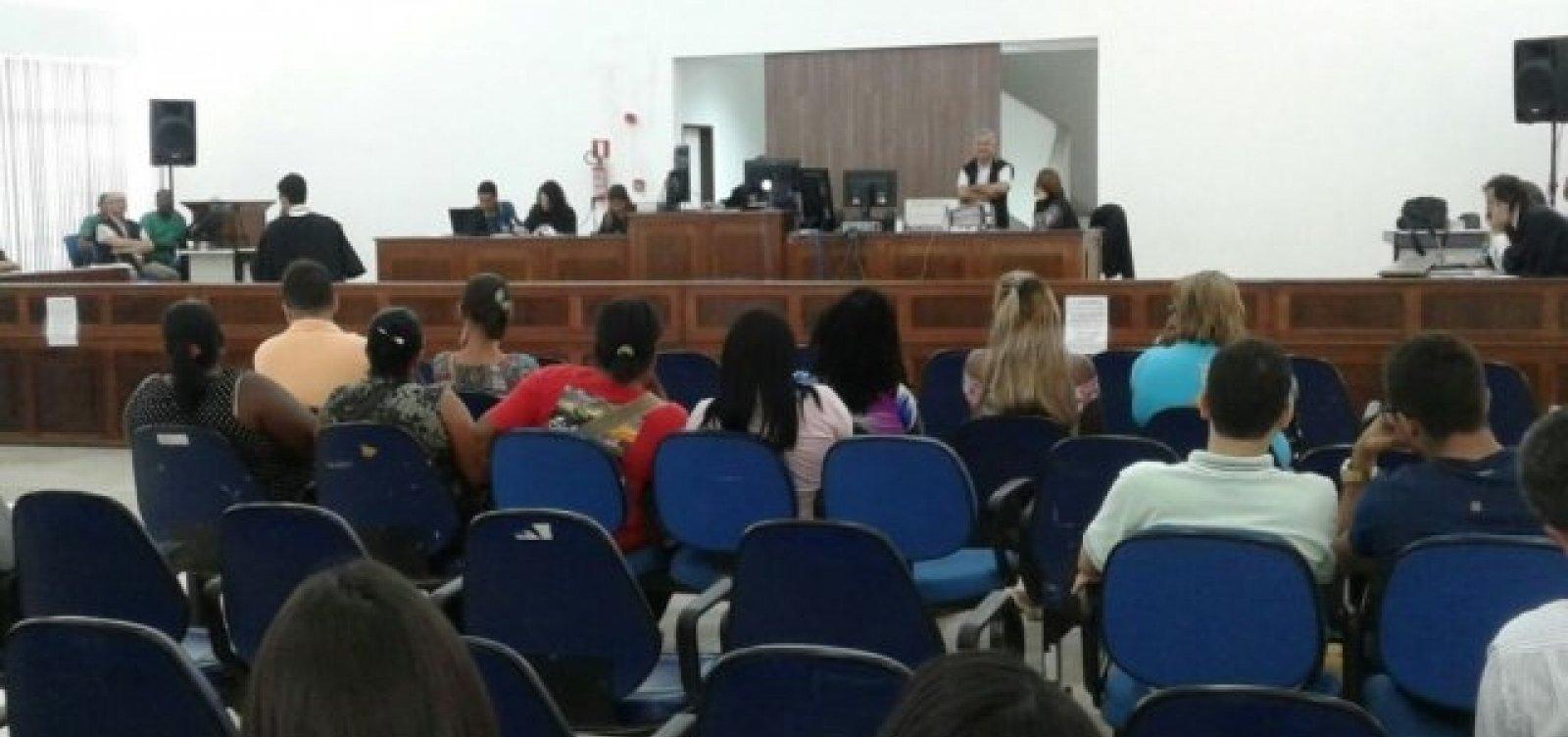 [Associações repudiam insulto de promotor à defensora durante júri em Feira; MP disse que teve contexto]