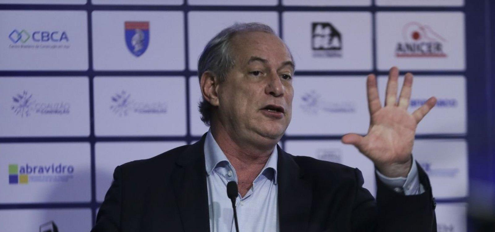 [Ciro acusa Rui de atuar 'por trás dos panos' a favor de reforma da Previdência]