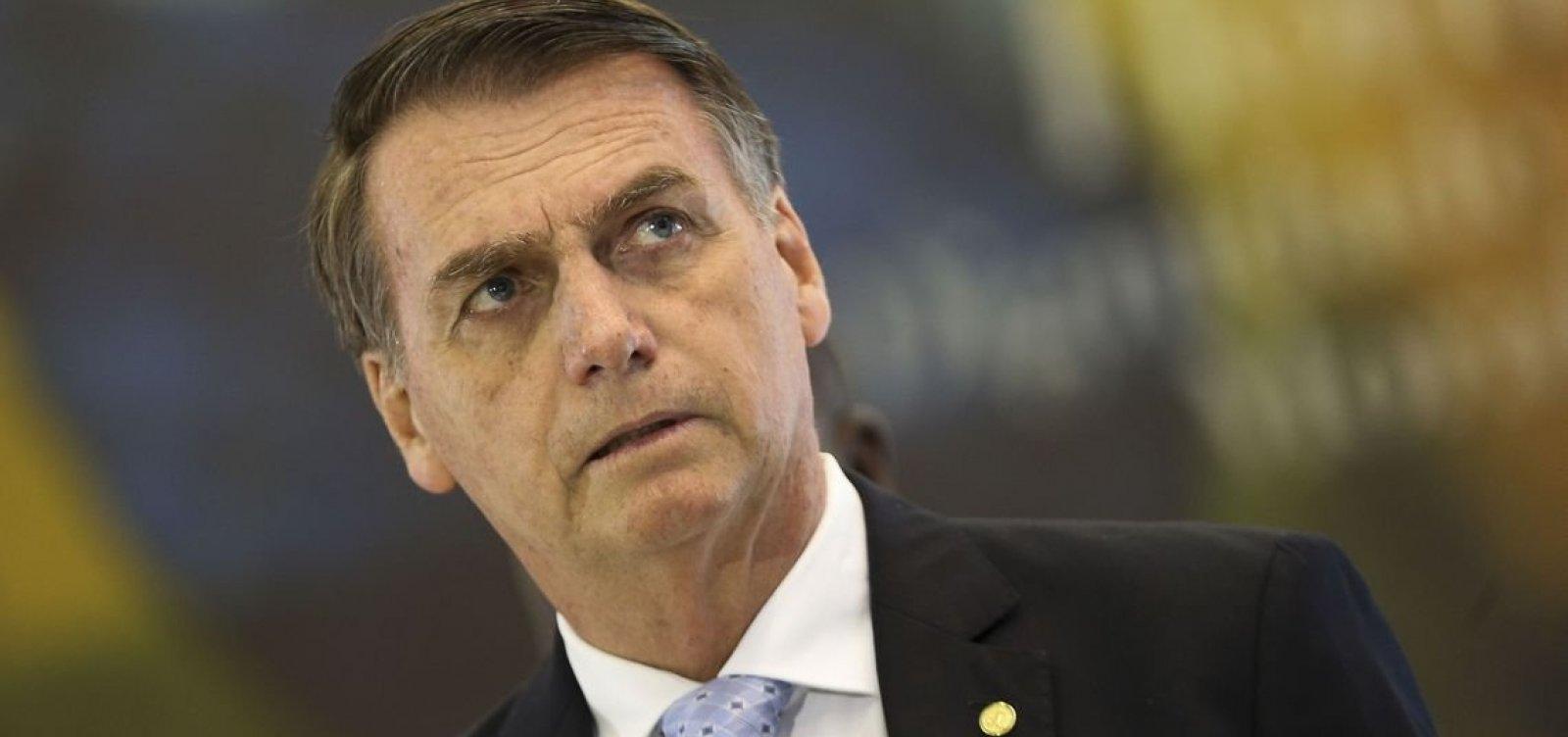 [ Bolsonaro diz ser censurado no WhatsApp e haver 'muita gente mais competente' que ele]