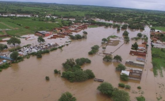 [Casas próximas a rio da região atingida por rompimento de barragem serão demolidas, diz governador]