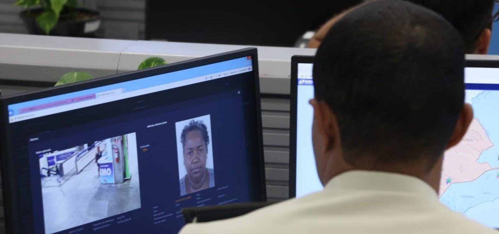 [Suspeita de tráfico é presa após ser flagrada por sistema de reconhecimento facial]