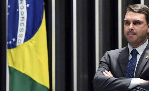 [Ministério Público investiga contas eleitorais de Flávio Bolsonaro]
